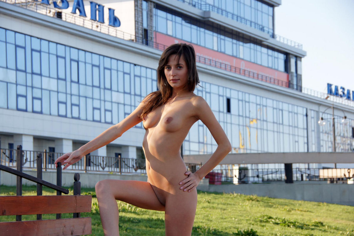 Perfect Russian Teen With Sporty Body Walks Naked At Public Streets  Russian Sexy Girls-5732