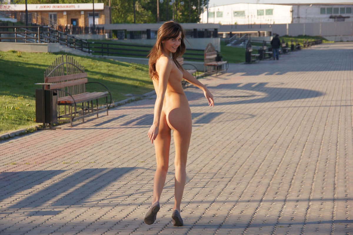 Perfect Russian Teen With Sporty Body Walks Naked At -1945