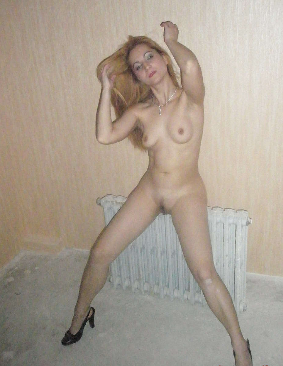 tiny blonde milf naked