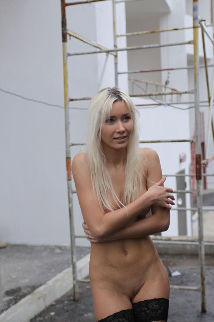 topmodels nude in public