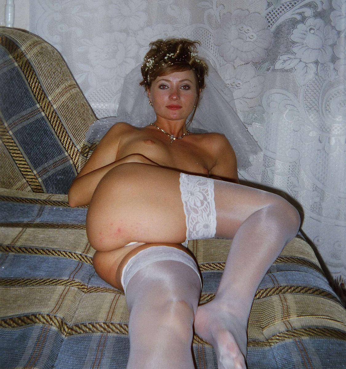 posing Russian amateur nude bride