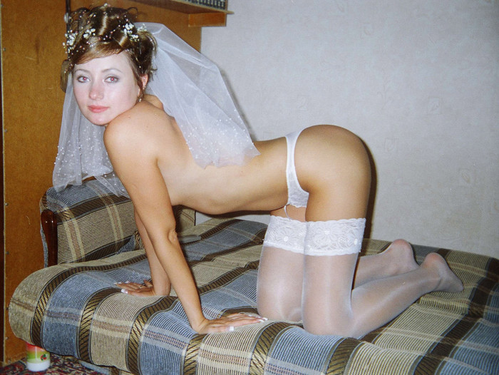 amazing russian bride shows beautiful shaved pussy