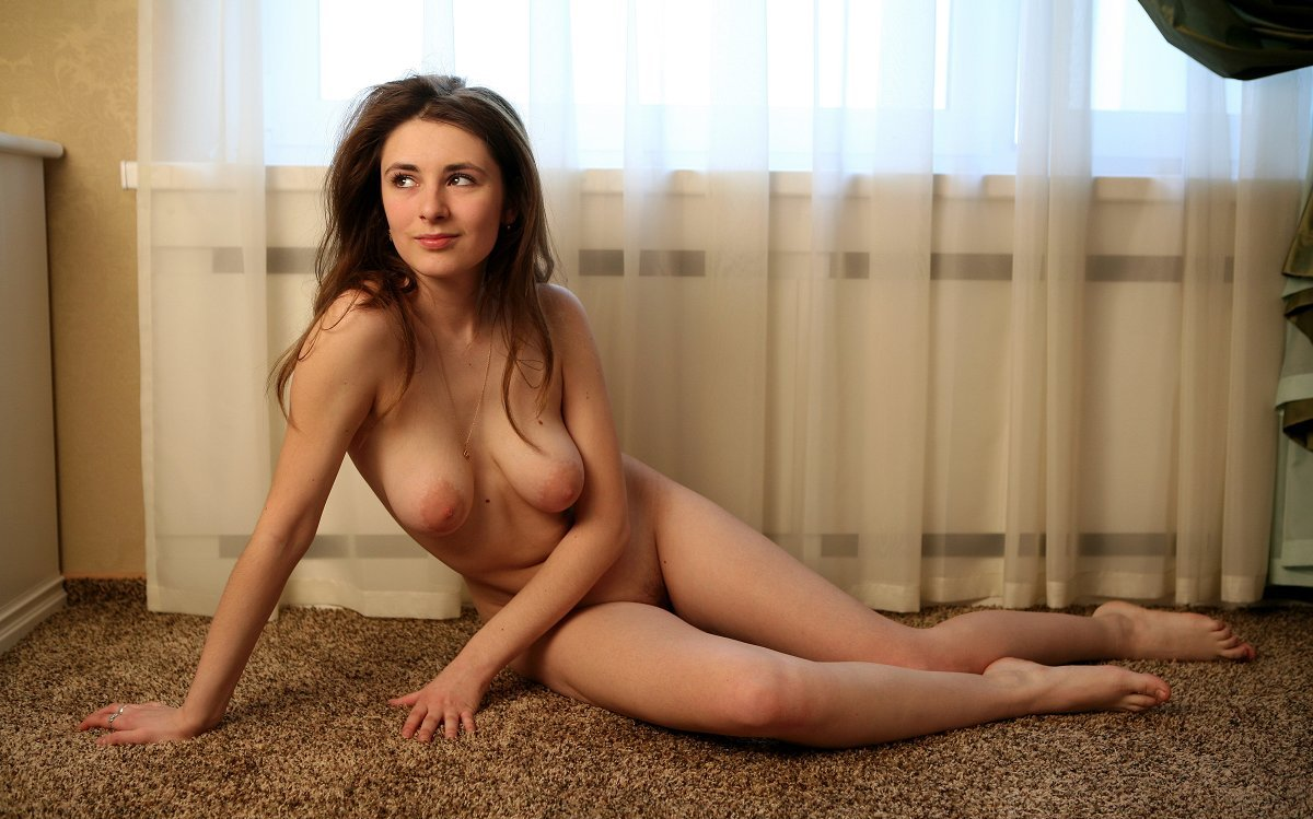 Amazing Teen With Big Boobs And Perfect Body  Russian -4690
