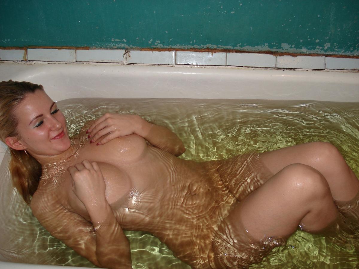 Фотографии девушек голые в ванной 2 фотография
