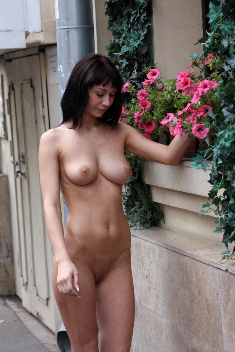 Crazy Russian Brunette With Sweet Boobs Posing Totally Naked At Public -6401