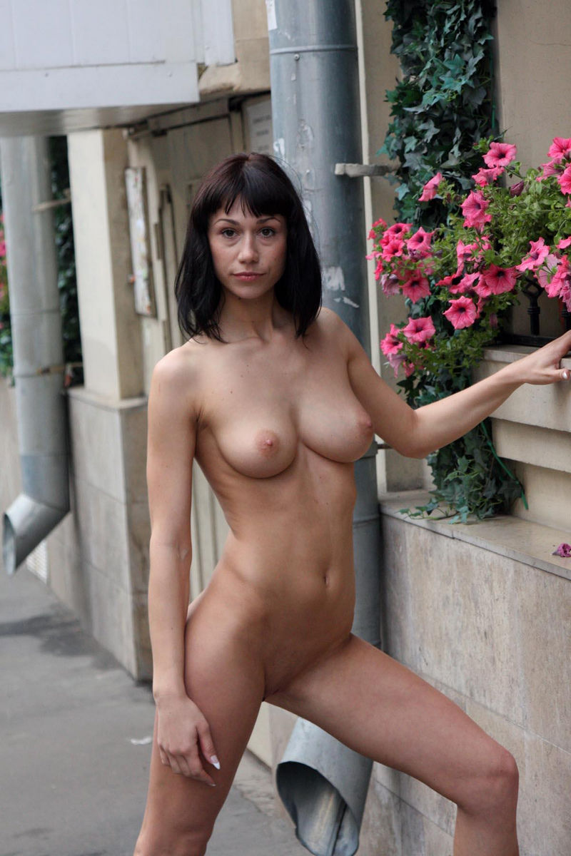 Crazy Russian Brunette With Sweet Boobs Posing Totally -5596