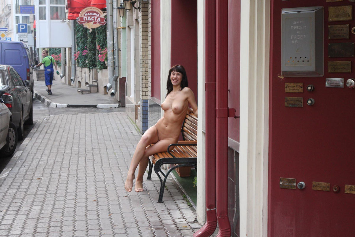 Completely naked in public parking lot in tampa florida 6