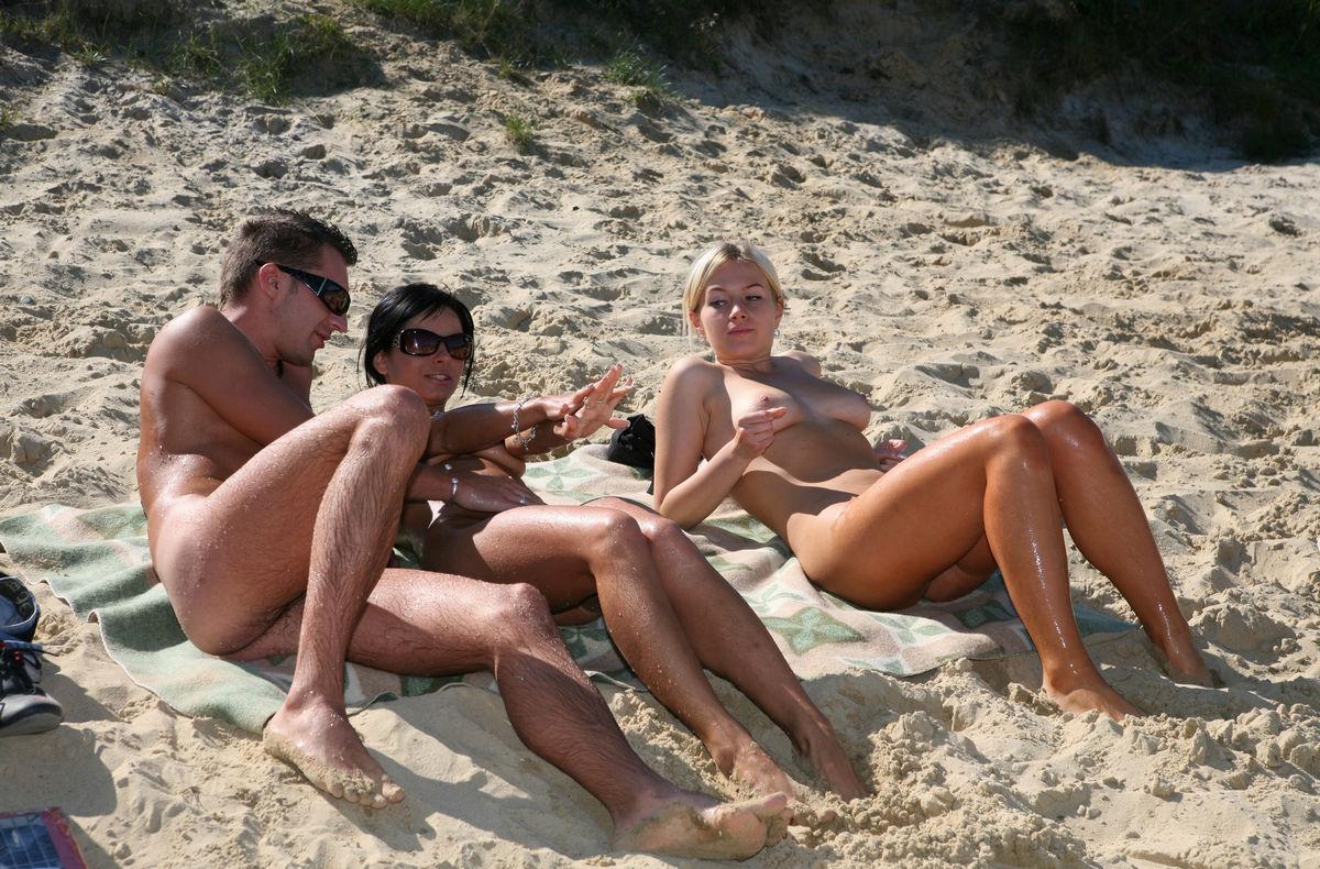 sexi naked babes go interracial
