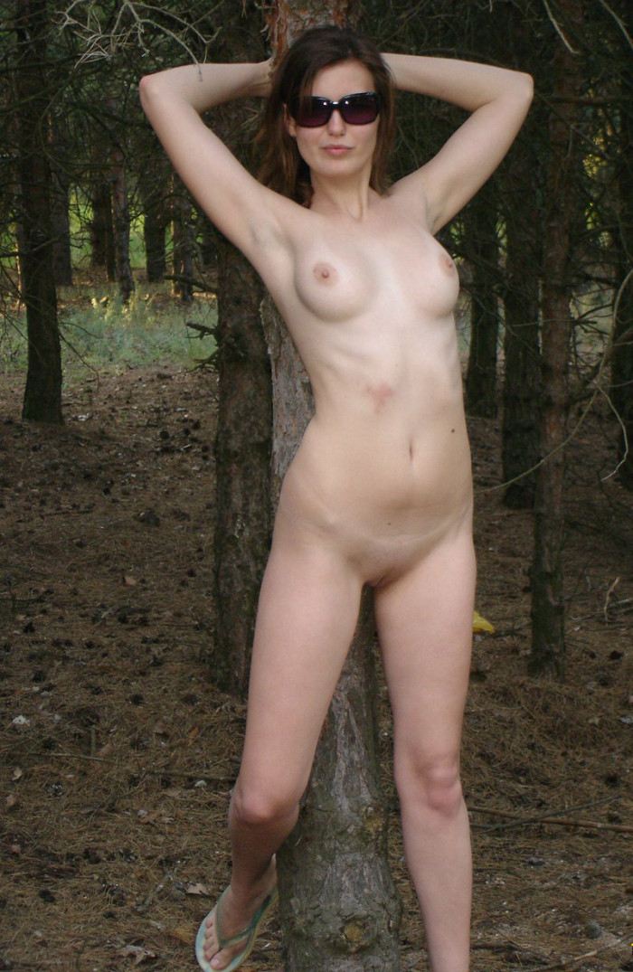Short-Haired Russian Girl Posing Naked At Public Near Car -4756