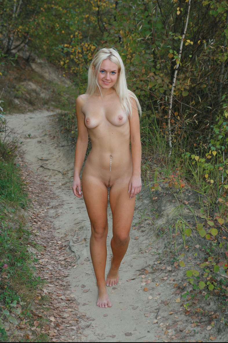 naked women walking videos