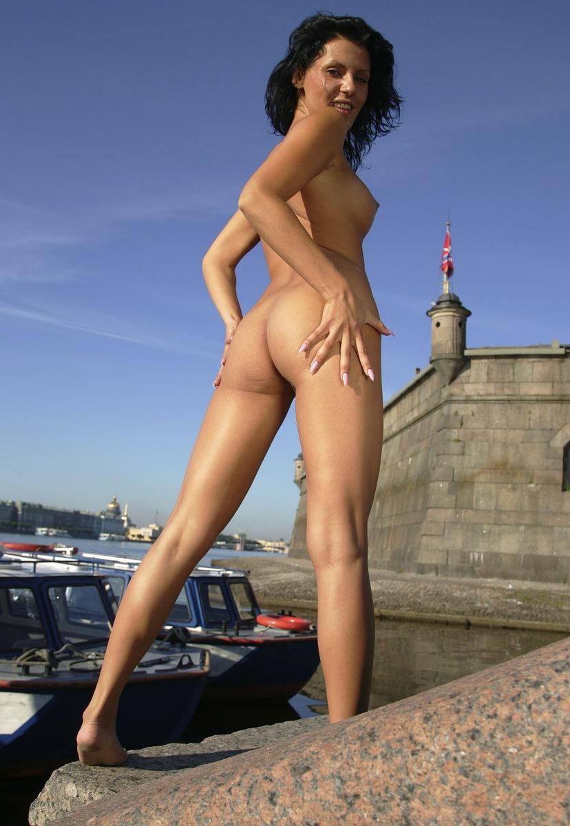 Taraji naked on dildo