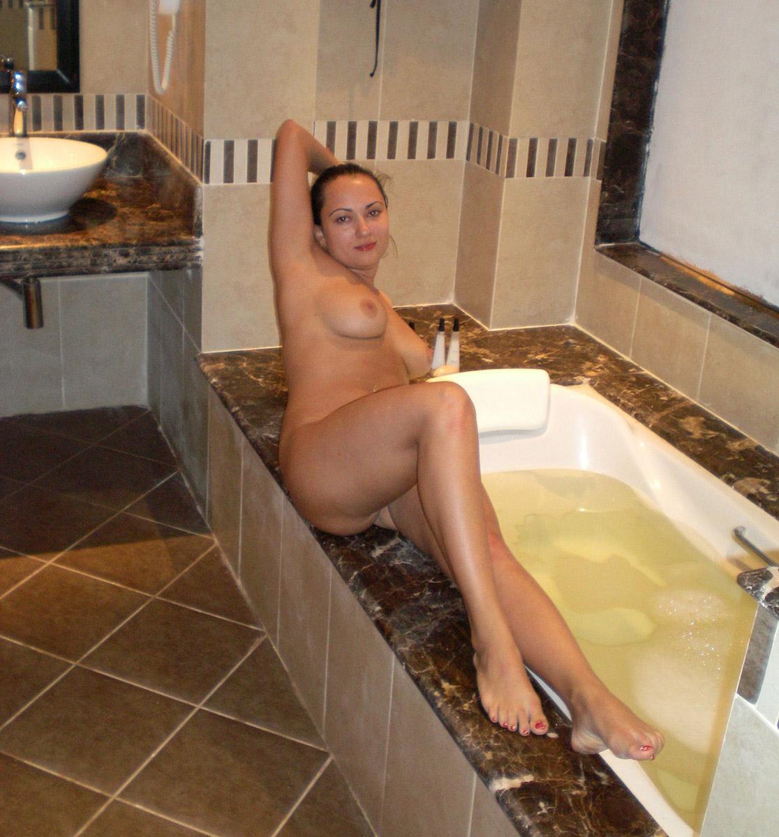 Average girls naked pics-8035