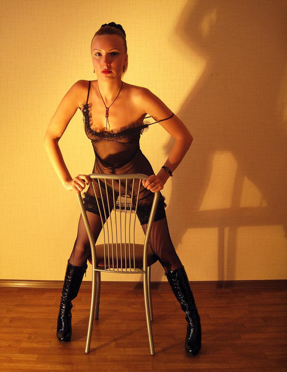 Sweet Russian Milf Posing In Sexy Dress  Russian Sexy Girls-3794