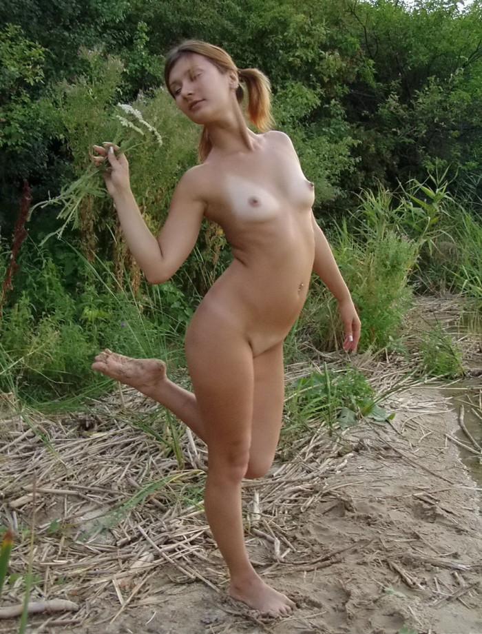 Sweet Russian Brunette With Sporty Body Posing Outdoors Russ Tubepornstars 1