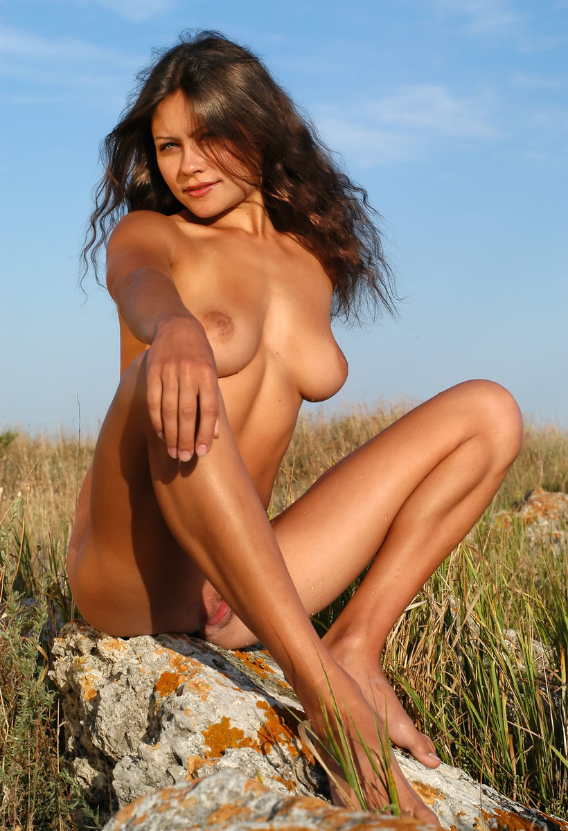 verry young girls naked
