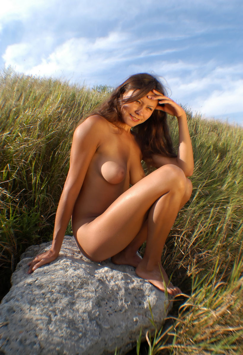 Very Beautiful Babe Teen With Amazing Big Boobs And -7968