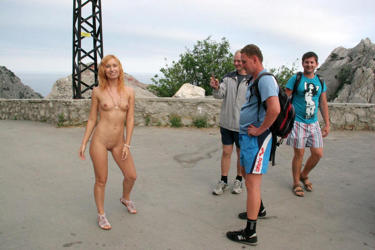 Amazing Redhead Demonstrates Naked Body To Strangers -6920