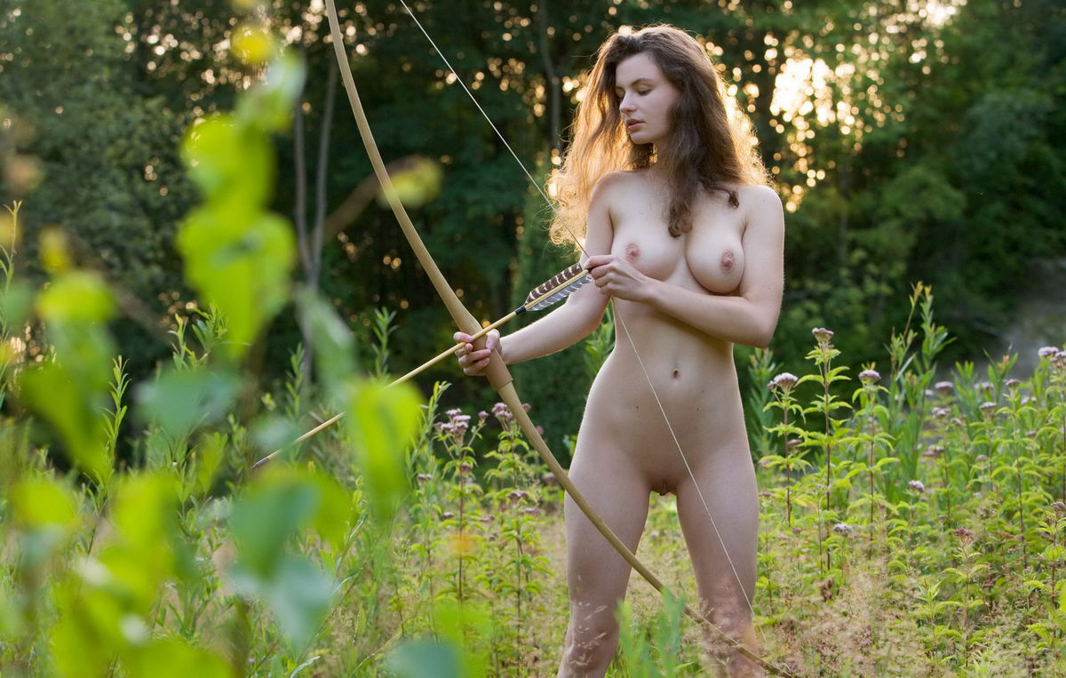 naked bow hunting babe