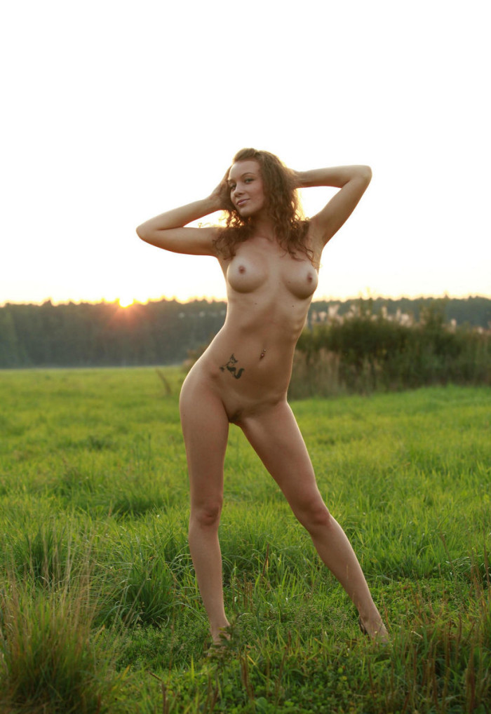Hot Boobs Girl Image