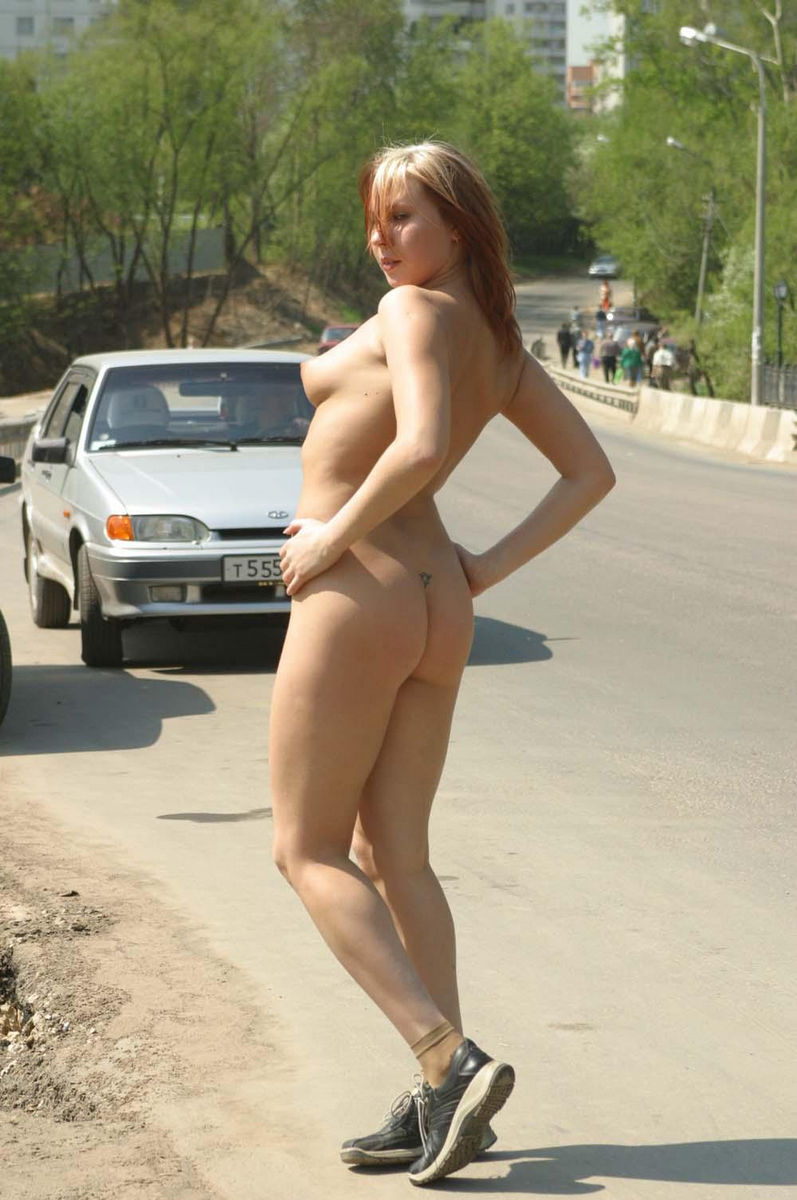 Hot Teen Walks Naked At Public  Russian Sexy Girls-4676