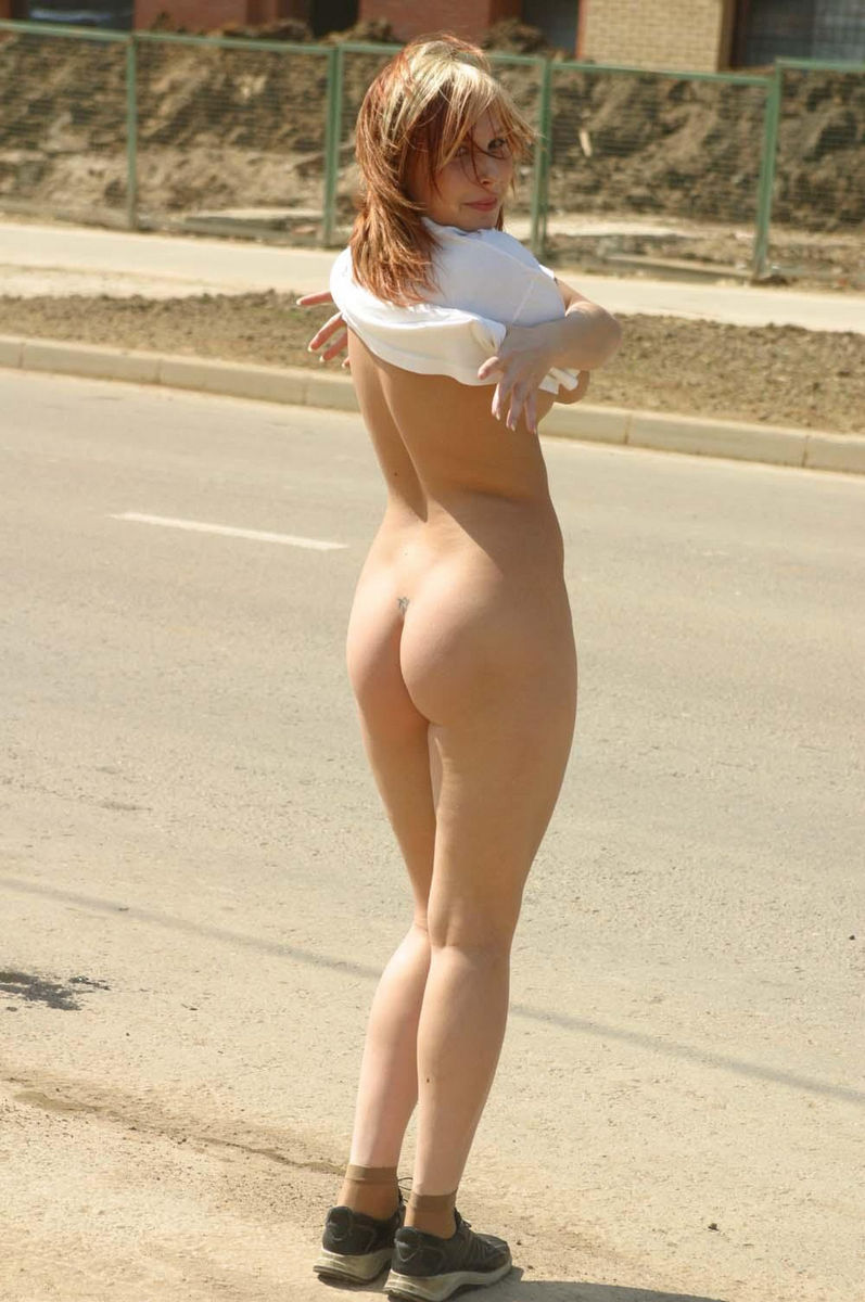 Hot Teen Walks Naked At Public  Russian Sexy Girls-5375