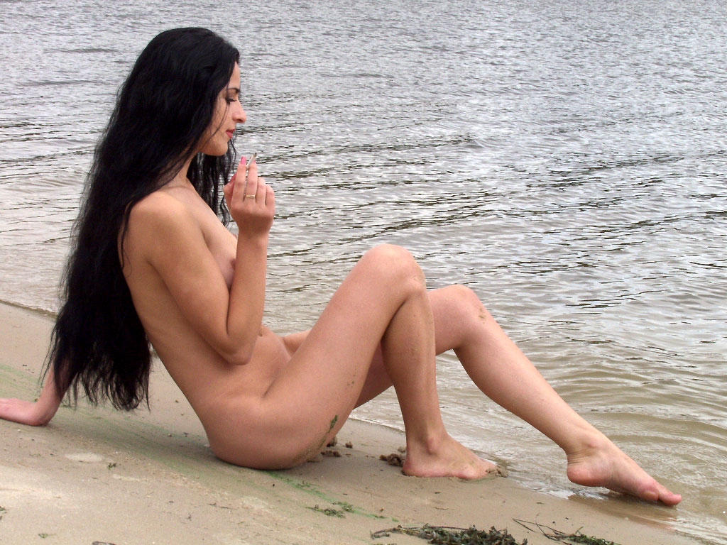 Nice Brunette Is Smoking Naked On Public Beach  Russian -1479