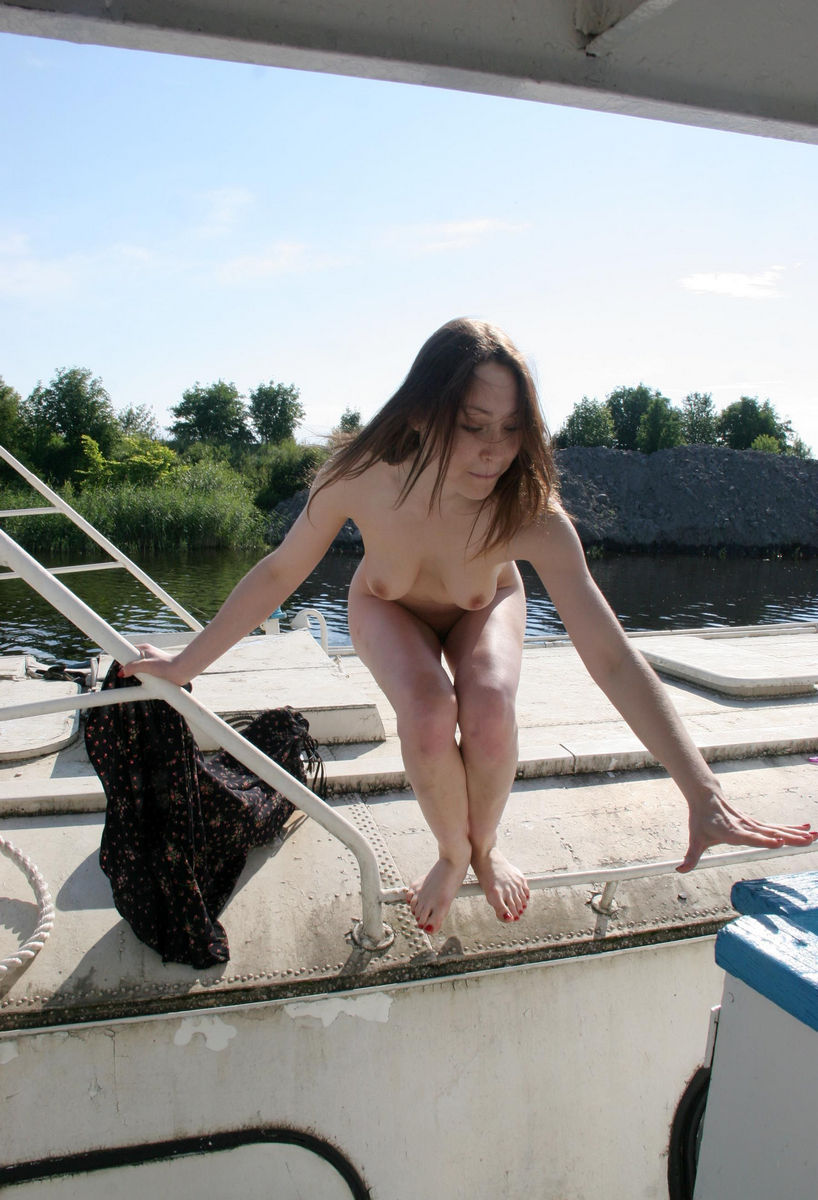 Russian Girl With Hairy Pussy Walks Naked On Boat -9950