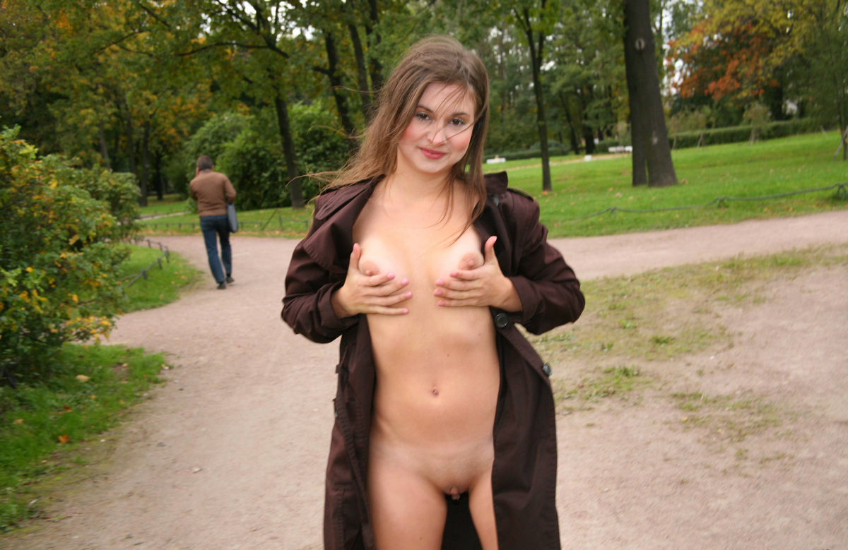 Russian Teen Flashes Naked Body At Public Park S