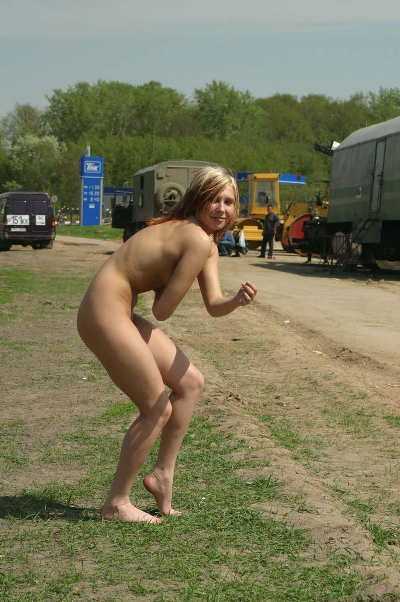 Russian Teen Not Shy To Walk Naked  Russian Sexy Girls-6725