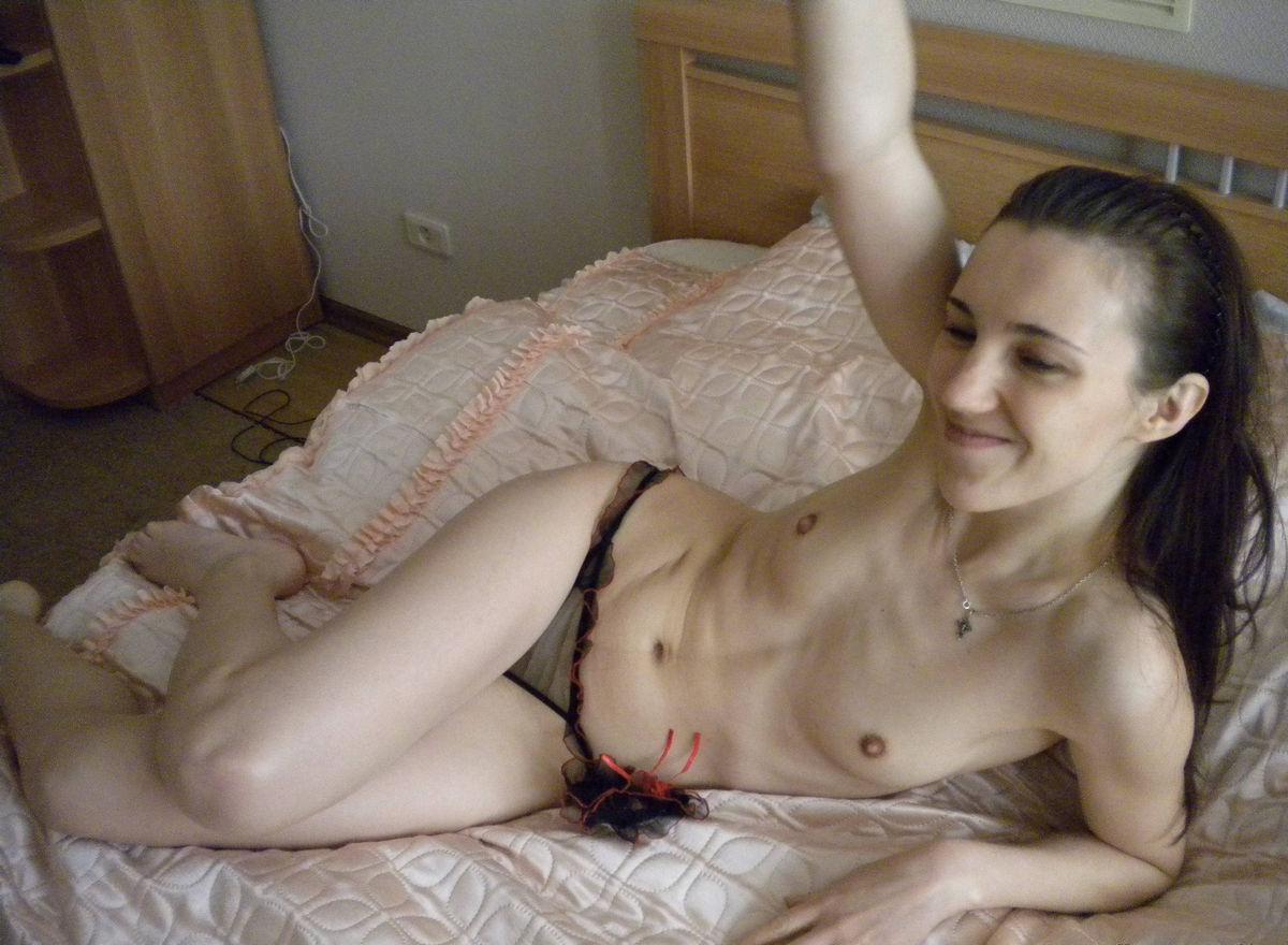 Сын и мать в порно худощавые брюнетки онлайн бесплатно 8 фотография