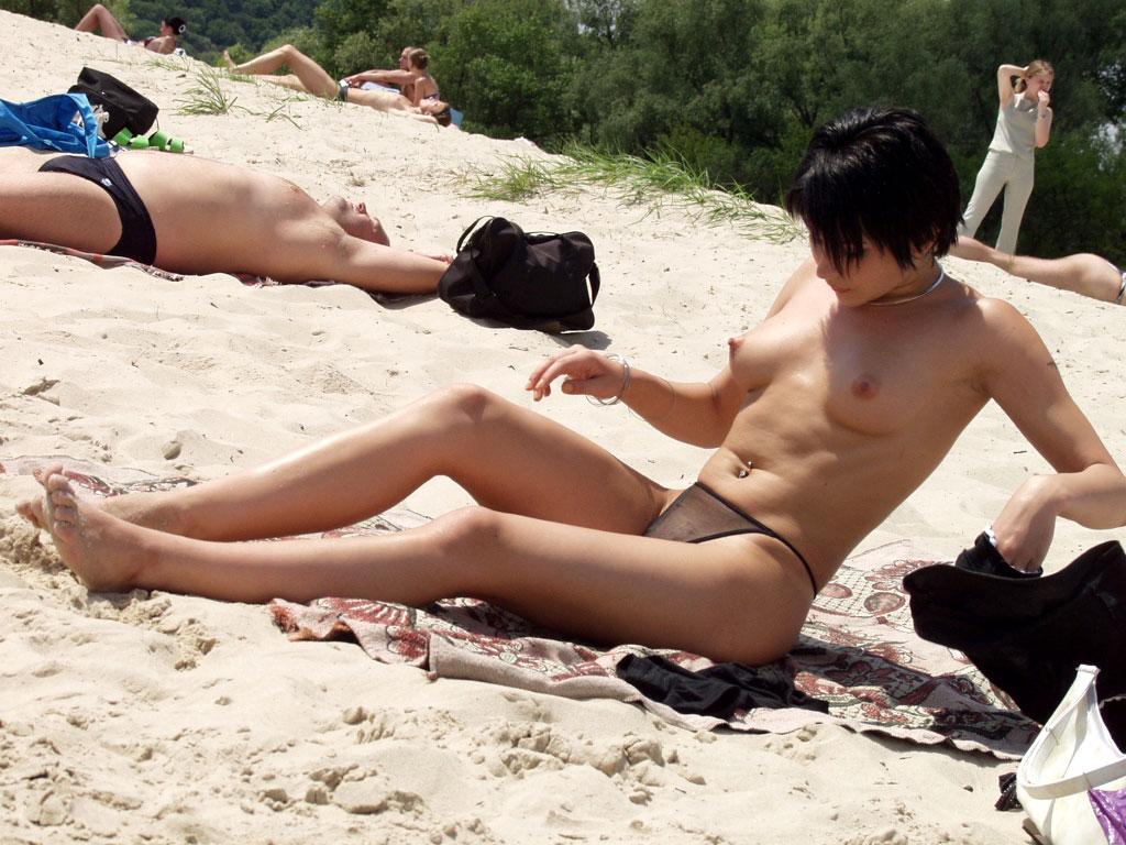 I love nude beaches