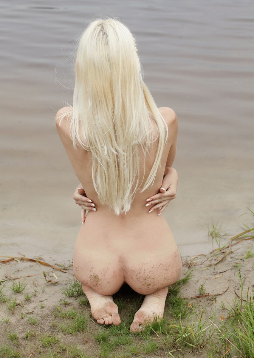Smiling Blonde Teen Posing Naked Outdoors  Russian Sexy Girls-5982