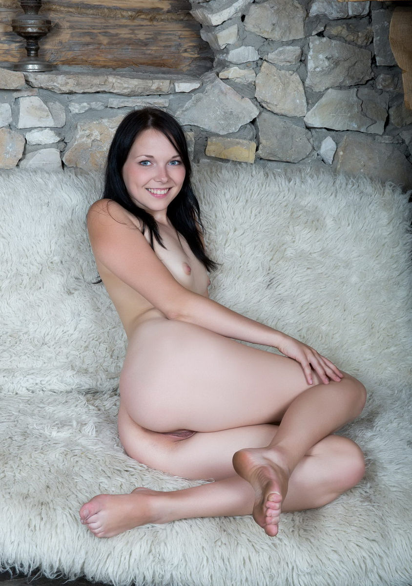 Smiling Brunette With Small Tits At Cottege  Russian Sexy -3559