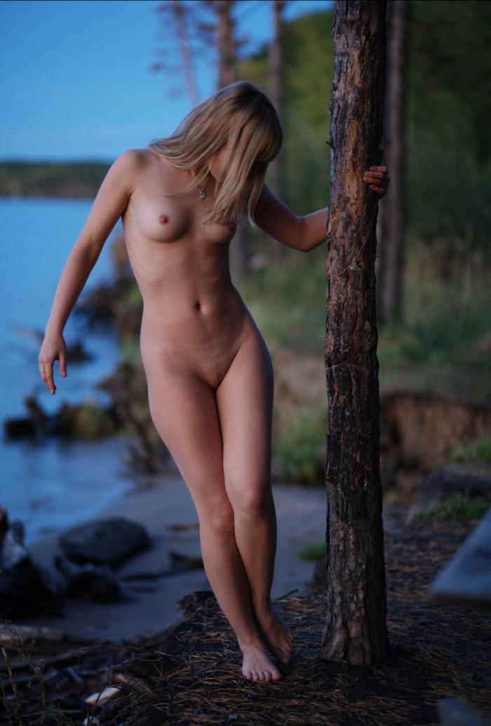 carnival cruise nude girl