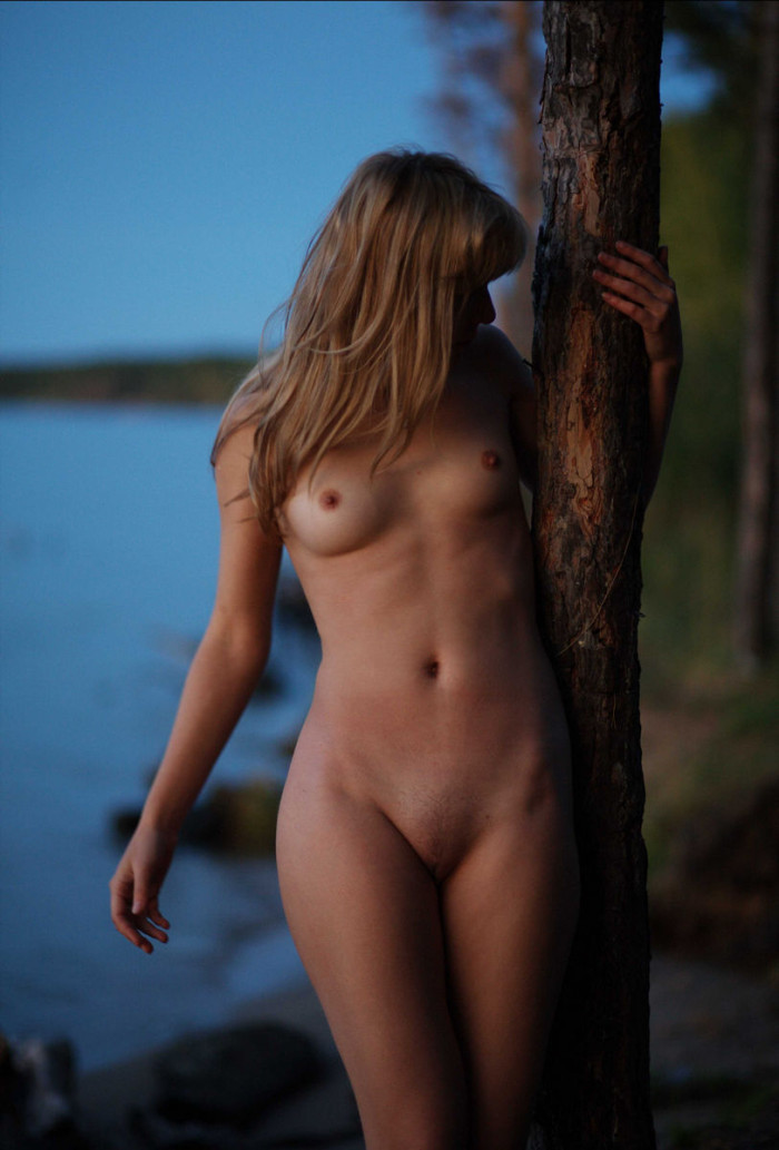 Sorry, nude wv girls blond