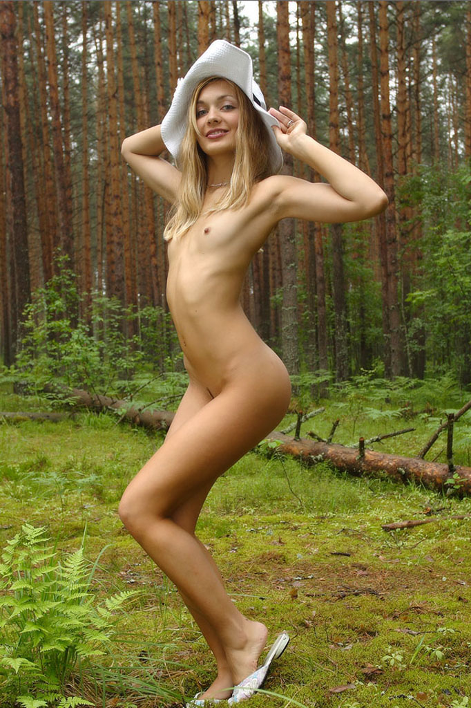 hot young girls strip for cam