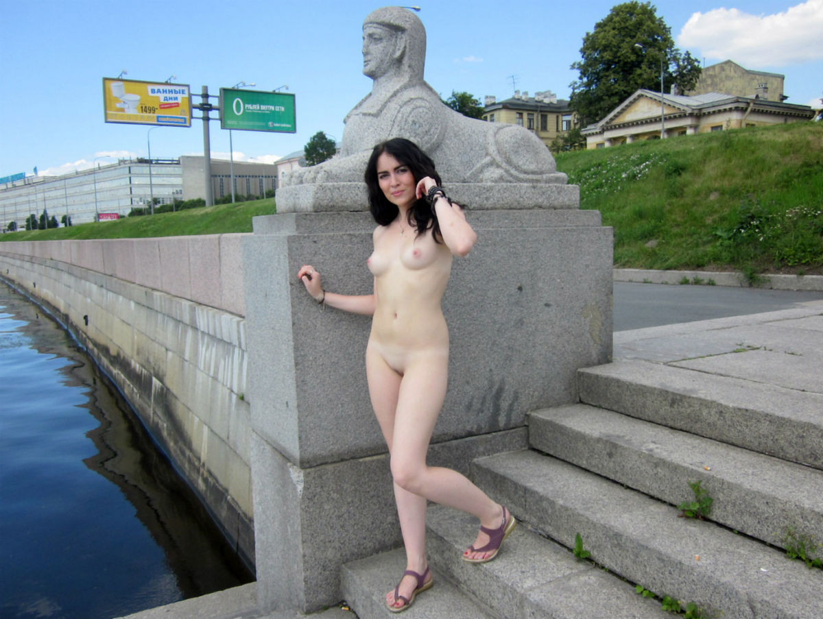 Very Beautiful Russian Brunette Walks Naked At Public -6171