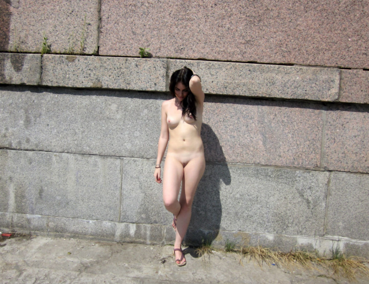 Very Beautiful Russian Brunette Walks Naked At Public -5492