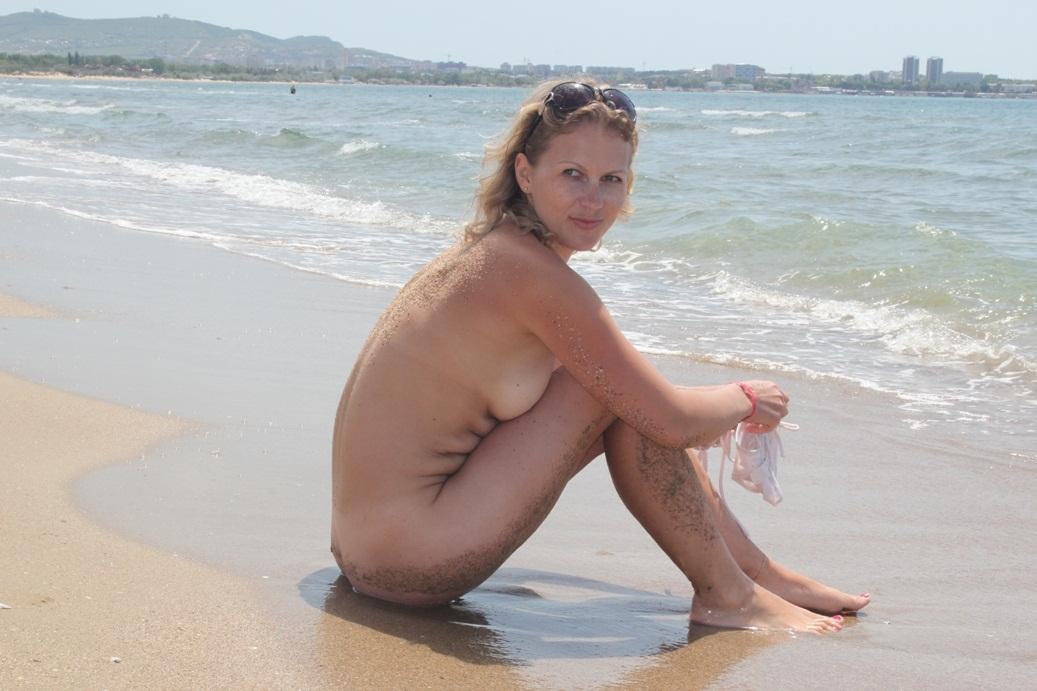 Worlds sexiest milf nude beach babes