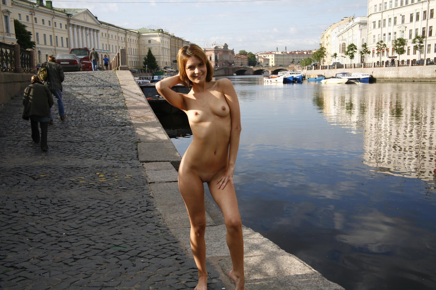 Crazy Russian Girl Exposes Her Naked Body At Pubic -2354