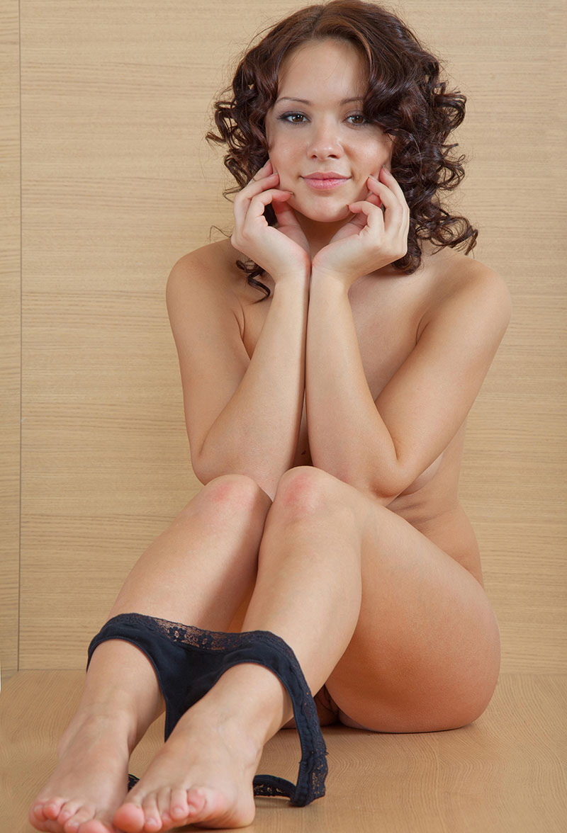 Curly Girl With Sweet Smile Undressing  Russian Sexy Girls-6007