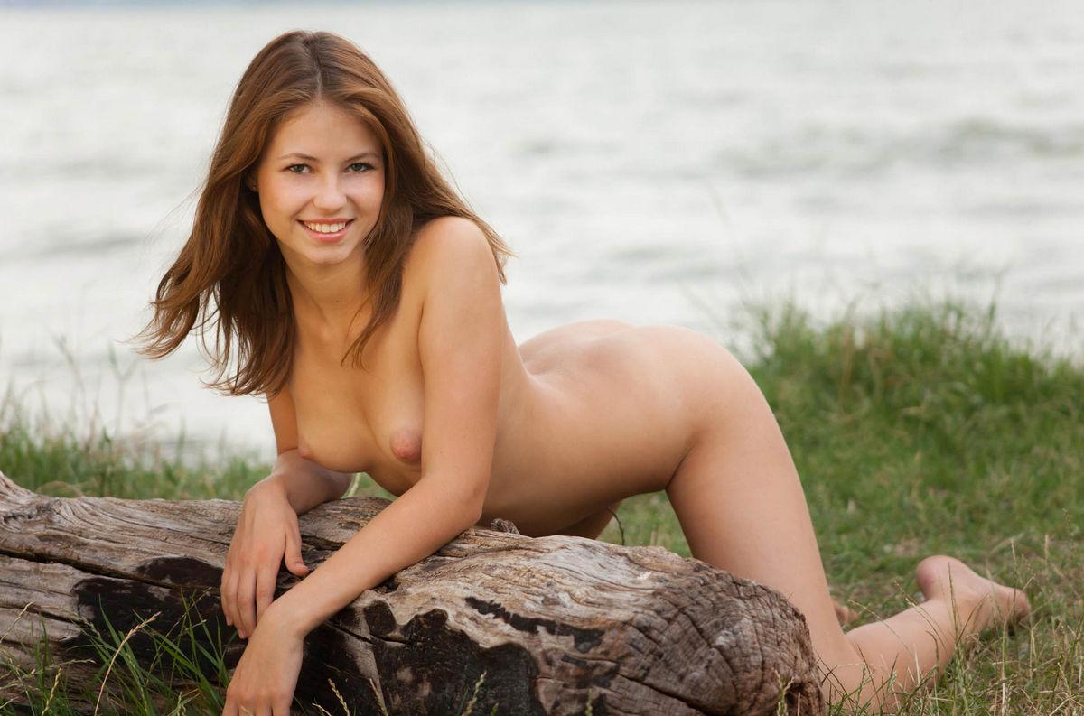 Fantastic Russian Girl Takes Off Panties Outdoors -1296