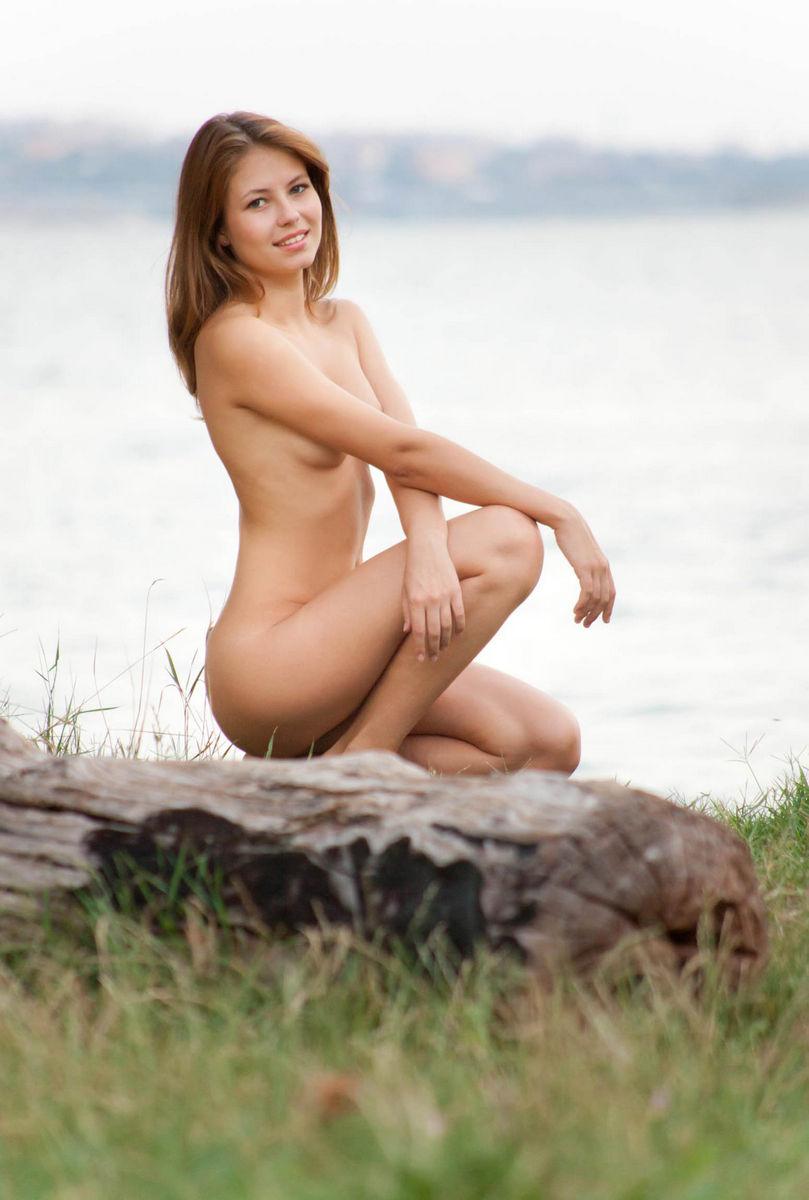 Fantastic Russian Girl Takes Off Panties Outdoors -8153
