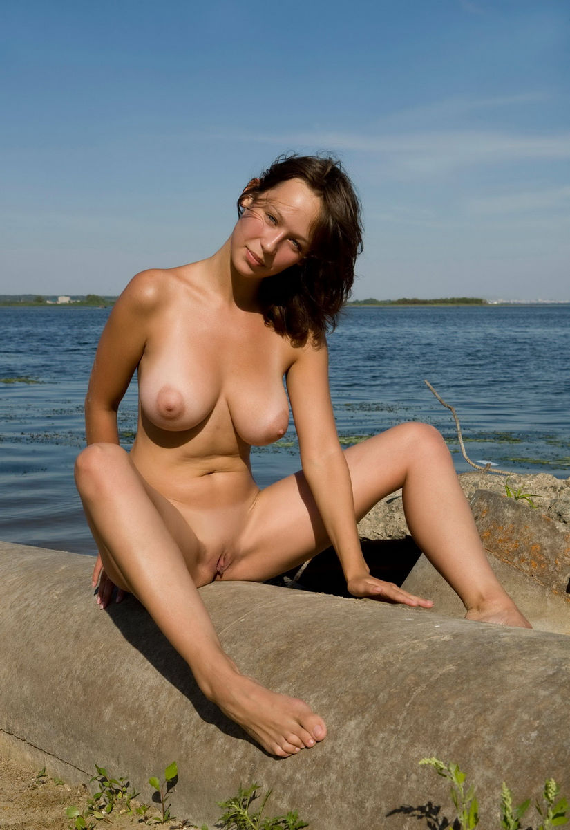Girls with big boobs at the beach-2335