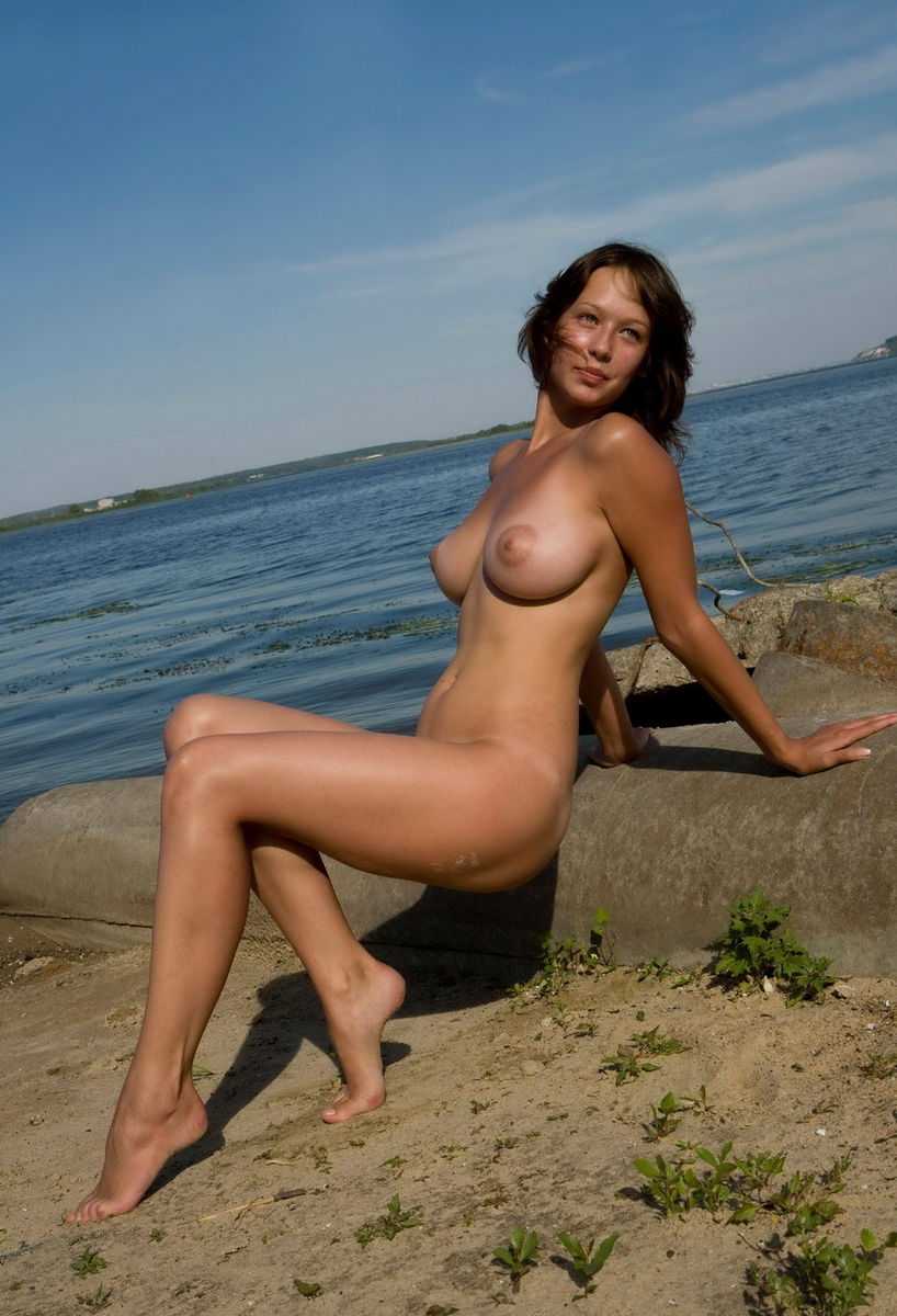 Natural boob amateurs