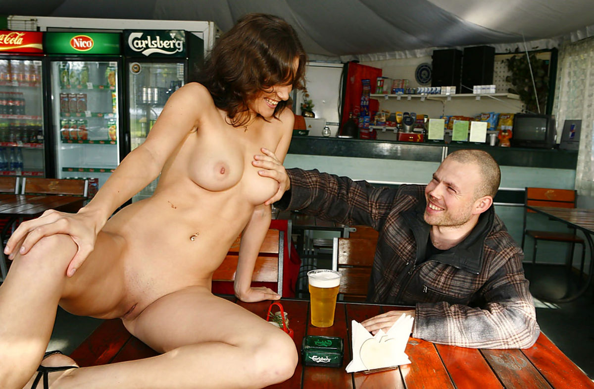 And Girl nude with beer
