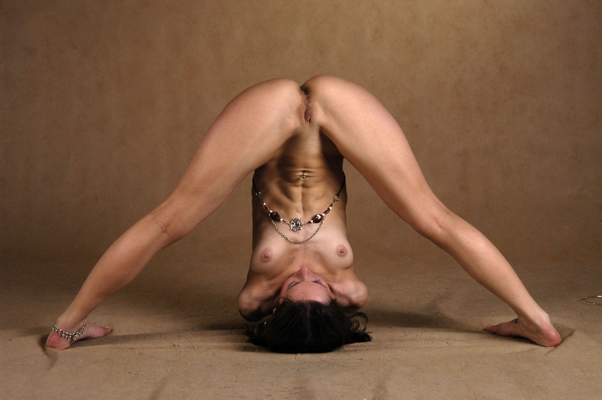 Flexible Nude Pictures