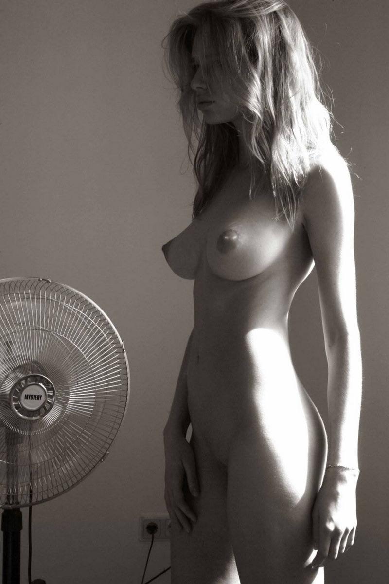 incredible naked women pics