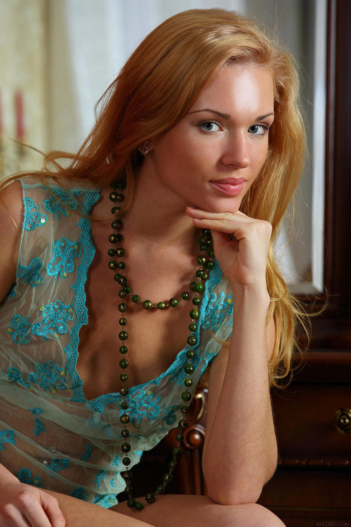 Very Beautiful Russian Redhead At Home  Russian Sexy Girls-1351