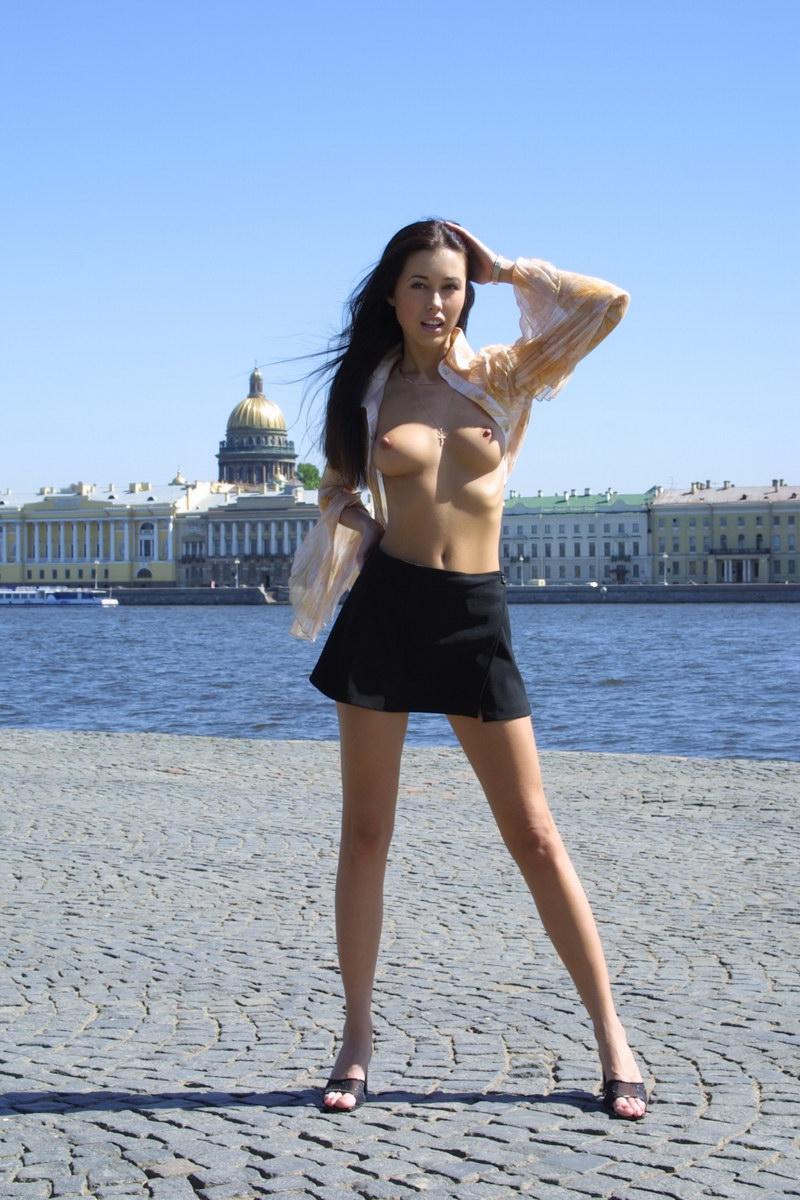 golie-russkie-devushki-iz-spb